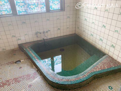 白老 虎杖浜温泉 花の湯 源泉かけ流し 24時間営業 無料休憩室