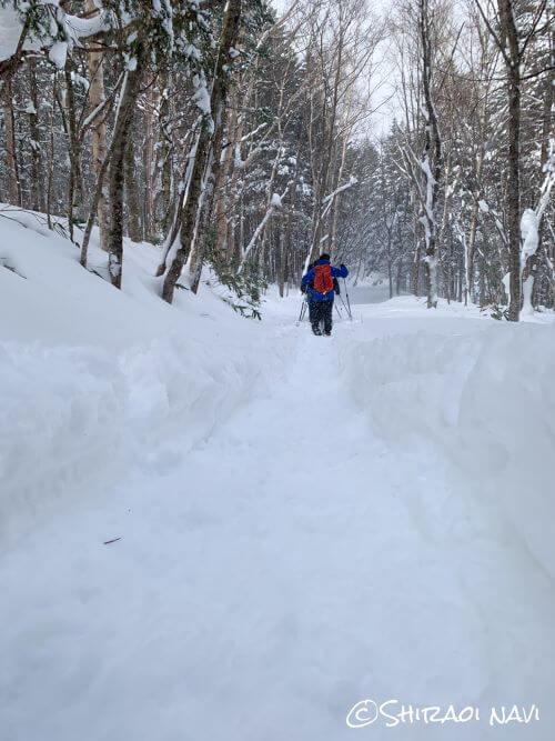 登別 カルルス 来馬岳 氷筍 スノーシュートレッキング